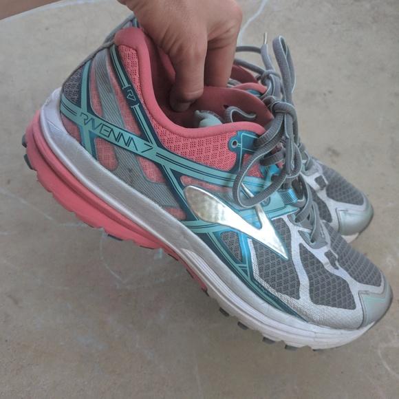 f25b86359f3 Brooks Shoes - Women s Brooks Ravenna